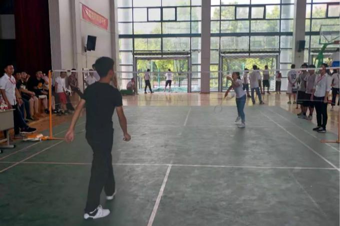 羽毛球1_meitu_1.jpg